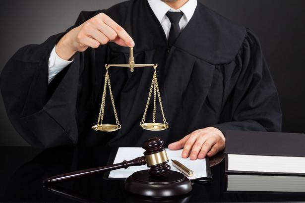 Prokuratura Okręgowa Warszawa Praga odmówiła wszczęcia postępowania uznając, że działanie Prezes Rady Ministrów nie spełniało znamion przestępstwa niedopełnienia obowiązków (art. 231 par. 1 kodeksu karnego)