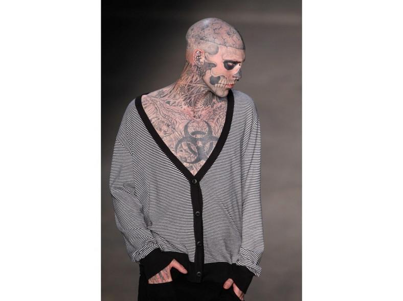Świat mody kocha takie indywidua jak Zombie Boy.