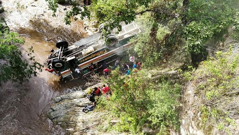 Wypadek autobusu ze studentami w Gwatemali. Nie żyje 8 osób