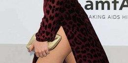 Pokazała nogę. Ładnie?