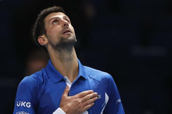 FEDERER GLEDA I NIJE MU DOBRO Novak Đoković i dalje VLADA ATP LISTOM, a evo koliko mu je još ostalo do rekorda!