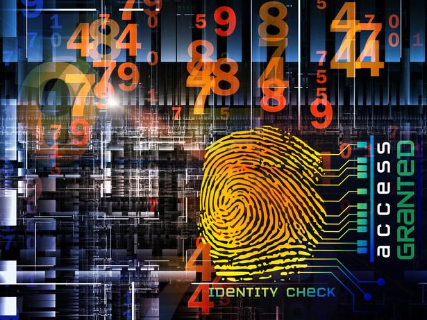 Weryfikacja umowy któregokolwiek operatora telekomunikacyjnego pozwala stwierdzić, że składając podpis pod umową, wyrażamy kilka do kilkunastu zgód na różne rzeczy. Niestety później możemy tego żałować. Zobacz jak chronić się przed nadmiernym zbieraniem i przetwarzaniem danych osobowych przez operatorów komórkowych.