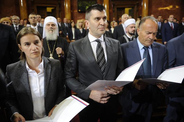 Veća plata kao premijera od ministarske: Polaganje zakletve