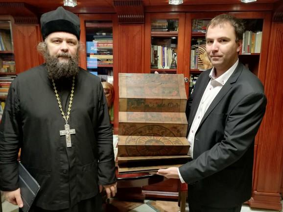Otac Dionisije i Viktor Lazić