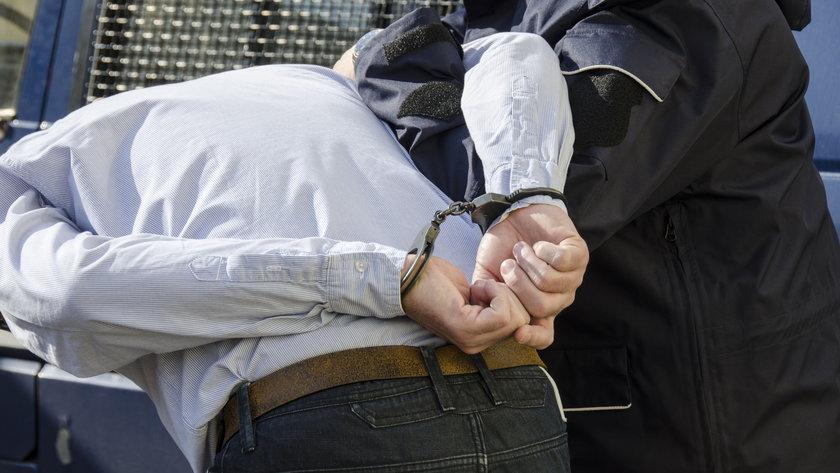 Zakrwawiony mężczyzna błagał o pomoc. W mieszaniu, z którego uciekł, były zwłoki. Horror w Koszalinie