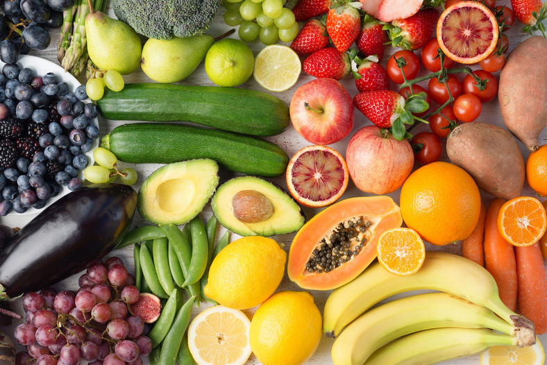 Eating healthy contributes to maintaining a healthy life [Credit: BusinessInsider USA Images]