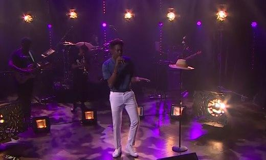 Mr Eazi performing on the James Corden Late Late Night Show in 2017 [Night Show]