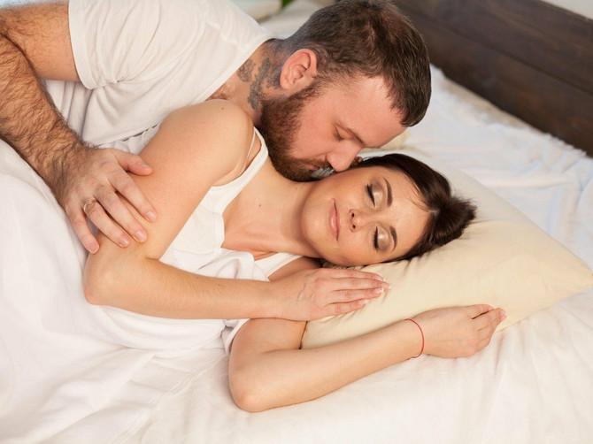 Muž je već dugo sve hladniji prema meni: Probudio me je USRED NOĆI SAV UPLAKAN. Kad mi je rekao ZAŠTO PLAČE, shvatila sam da moram da se razvedem