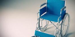 Odmówili refundacji wózka chłopcu bez rąk