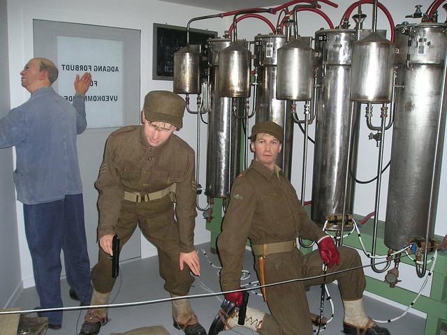 Voštane figure vojnika koji su sprečili naciste da naprave atomsku bombu