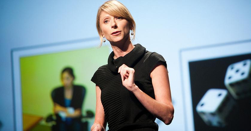 Amy Cuddy, psycholożka z Harvard Business School, radzi jak realizować swoje postanowienia