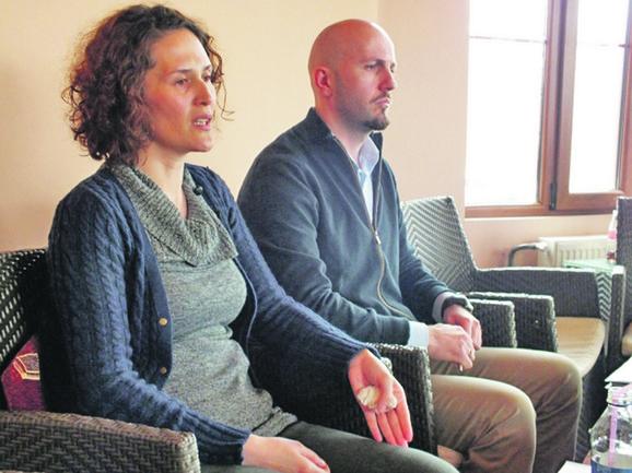 Jedva preživela: Lidija Hazirović sa suprugom Alminom foto:A. Bajrović