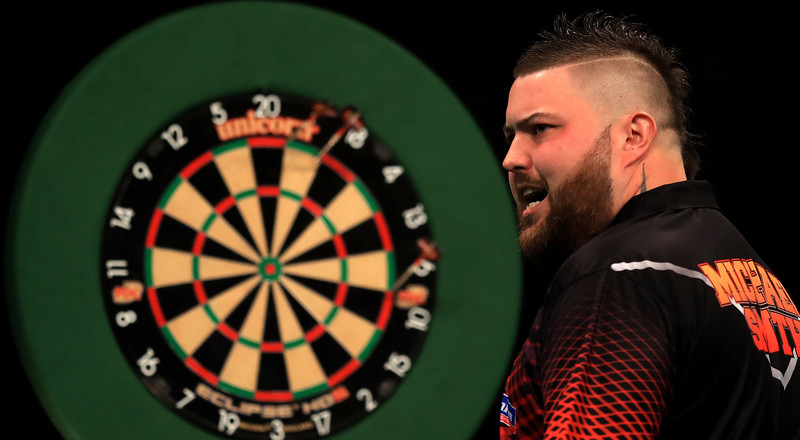 Darts crowd goes berserk after Michael Smith hits the first Premier League 'nine-darter' since 2017