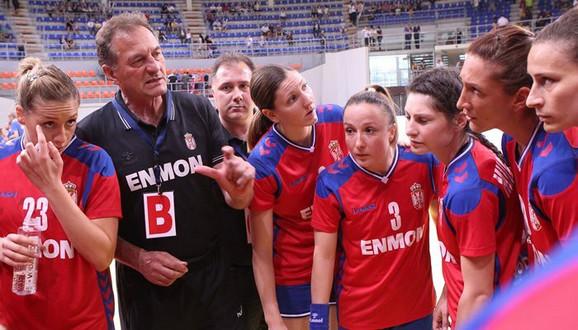 Ljubomir Obradović sa reprezentativkama
