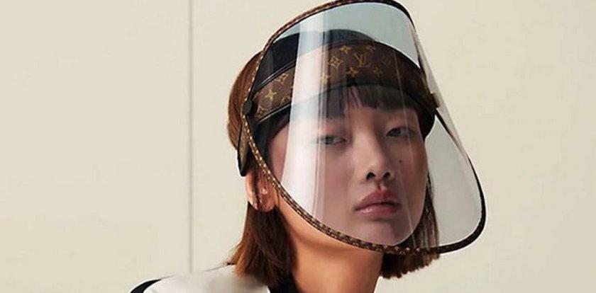 Luksusowy dom mody sprzedaje przyłbice. Cena zwala z nóg!