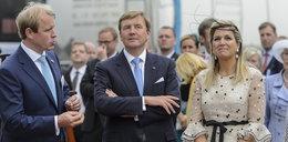 Harry i Meghan żalili się, że odcięto ich od pieniędzy. Tymczasem kuzynka księcia sama zrezygnowała z wielomilionowej pensji od państwa
