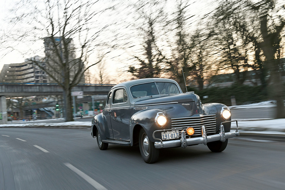 Chrysler Royal Business Coupé, 1940 - 16,9 l/100 km