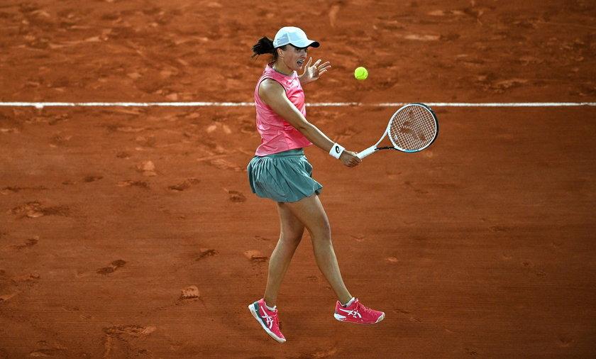 Iga Świątek zagra dziś o półfinał Rolanda Garrosa z przyjaciółką z Grecji