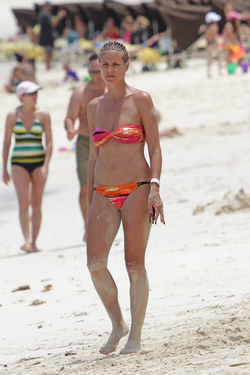 Heidi Klum na plaży