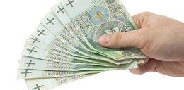 W kwietniu emeryci dostaną dodatkowe 981 zł netto