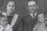Familija-Cekic-pasos sunce tudjeg neba etnografski muzej