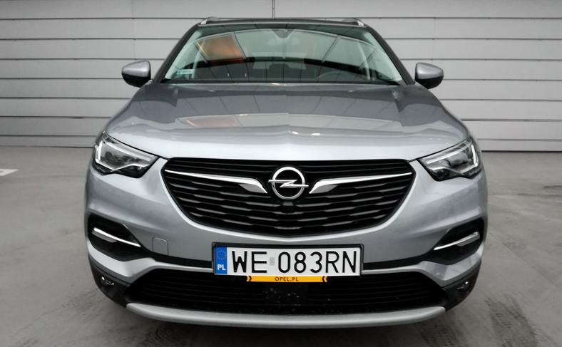 Opel grandland X z benzynowym silnikiem 1.2 Turbo (z półek PSA) to zrywny i ekonomiczny SUV
