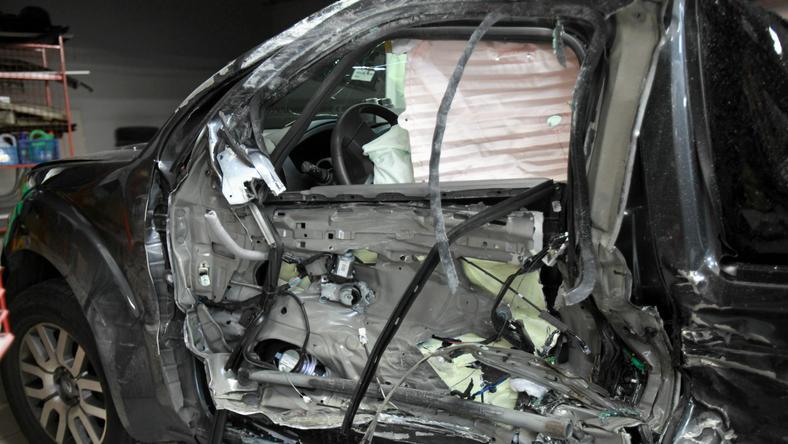Rozbity samochód, który prowadził prezydent miasta Wrocławia Rafał Dutkiewicz