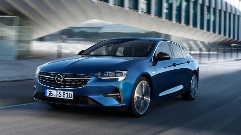 Opel Insignia - zamówienie na 13 takich samochodów znalazło się w umowie COAR.