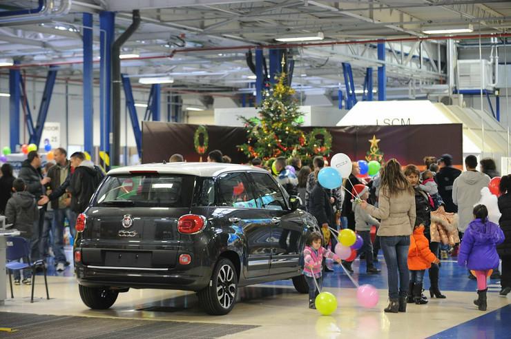 416078_fijat-automobili-srbija-roditelji-sa-decom