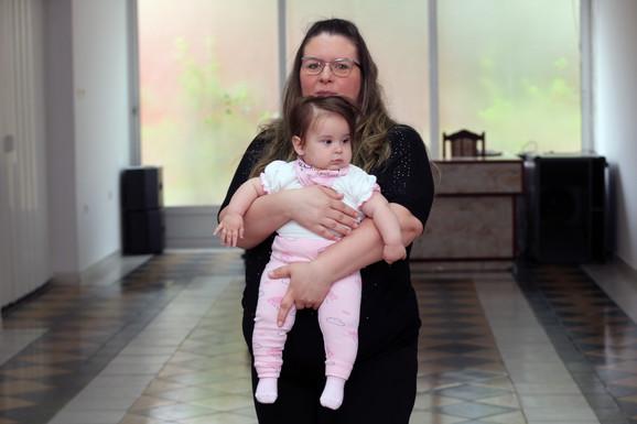 U novosadskom porodilištu još je se priča ovoj bebi