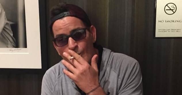 Leute, Charlie Sheen hat jetzt seine eigene Weed Marke Noizz