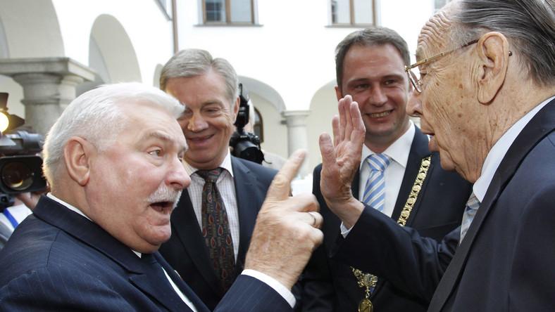 Lech Wałęsa honorowany nagrodą
