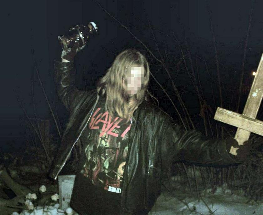 Sataniści zdewastowali cmentarz. Foto