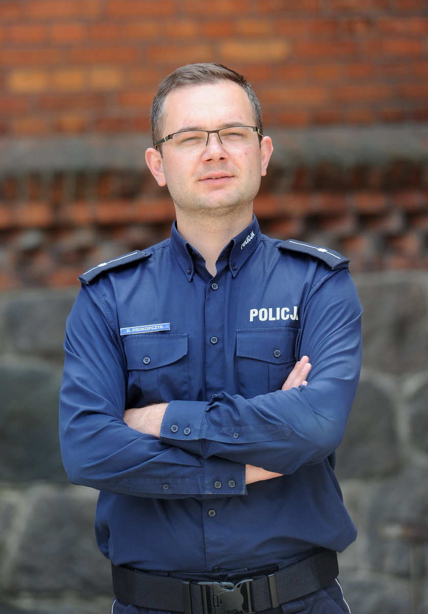 podkom. Rafał Prokopczyk z Komendy Miejskiej Policji w Olsztynie