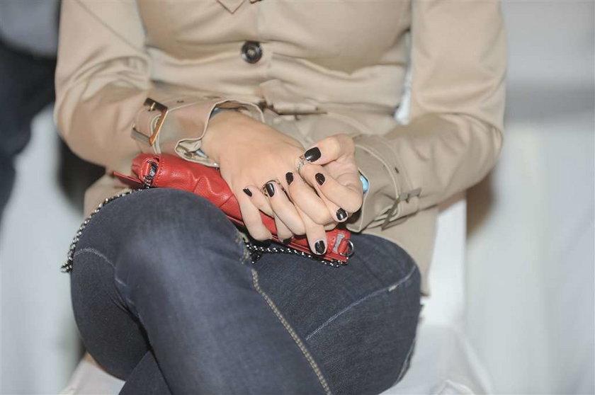 Wstyd! Kto ma takie ohydne paznokcie?