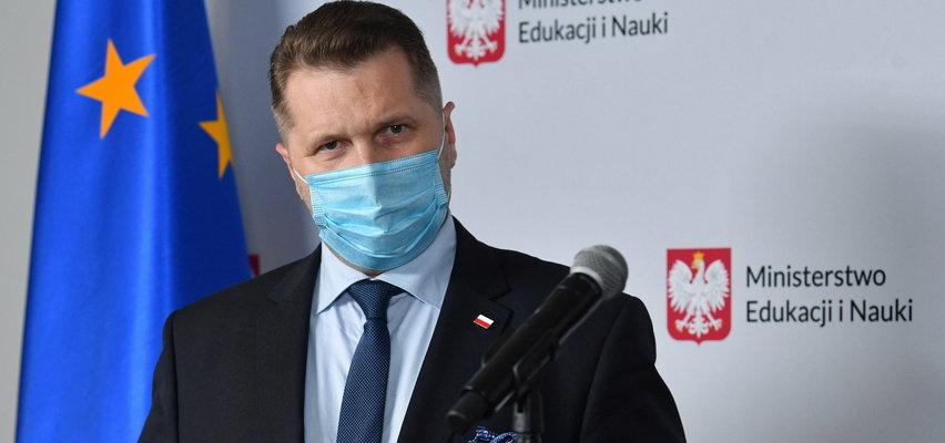 Co stanie się w szkołach we wrześniu?! Minister edukacji: Jeśli pojawi się wirus delta i będzie bardzo groźny...