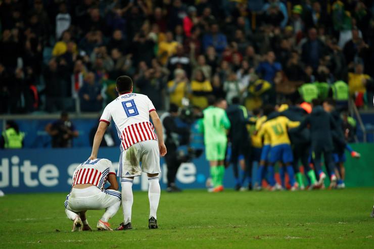 Fudbalska reprezentacija Brazila, Fudbalska reprezentacija Paragvaja