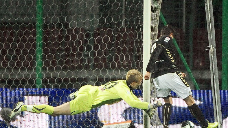 Tak padła zwycięska bramka dla Polonii w meczu z Lechem