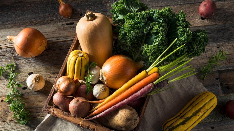 Jakie warzywa i owoce najlepiej wybierać zimą?