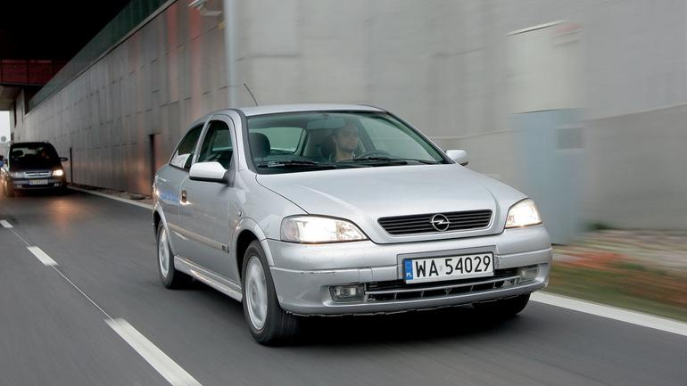 Opel Astra 2. generacji - który silnik wybrać 1.4 czy 1.6?