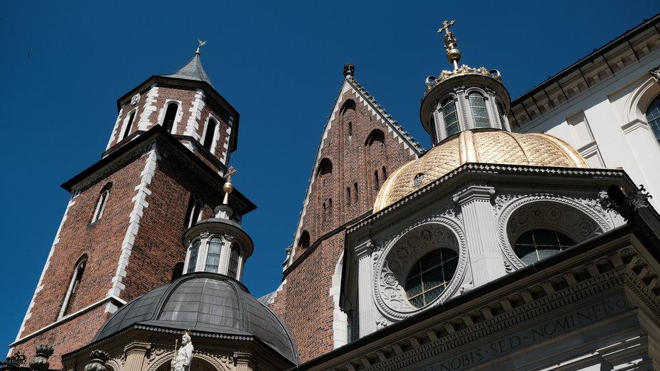 Groby w Katedrze na Wawelu - krypty, ciekawostki, historia