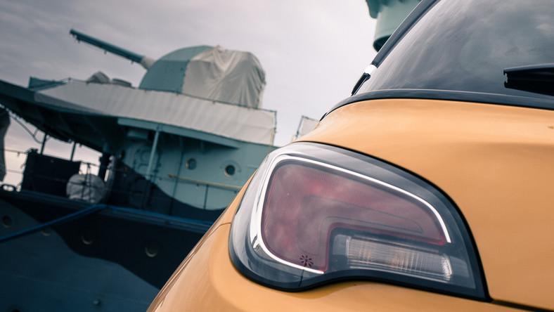 Analitycy niemieckiego instytutu badania opinii publicznej Schwacke wraz z dziennikarzami magazynu Auto Bild sprawdzili, który samochód jest najlepszą inwestycją na przyszłość - inaczej mówiąc, który model ma najbardziej stabilną wartości w swojej klasie. Eksperci policzyli wartość rezydualną 40 modeli czternastu marek. Zobacz, który model i z jakim silnikiem najbardziej trzyma cenę i za jaki procent kwoty zapłaconej w salonie będzie można konkretne auto sprzedać po 4 latach eksploatacji.