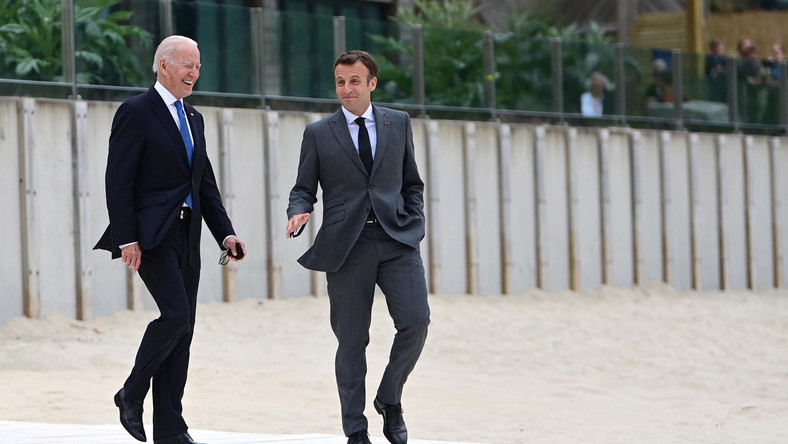 Joe Biden i Emmanuel Macron na szczycie G