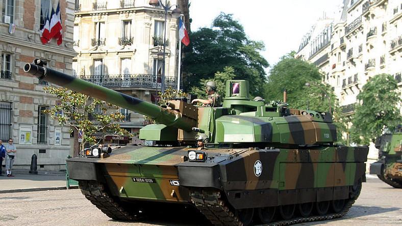 AMX Leclerc to francuski czołg podstawowy. Do dziś stanowi nieodłączny element pola walki Wojsk Lądowych Francji oraz Zjednoczonych Emiratów Arabskich