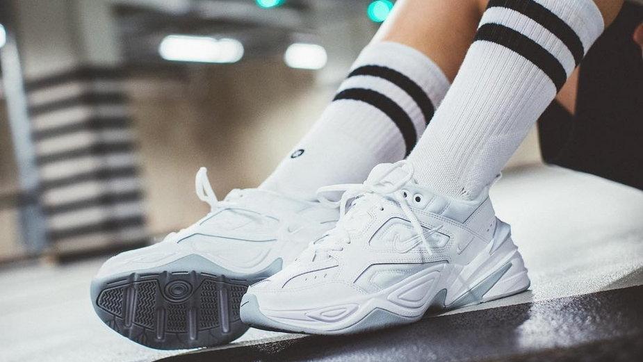 Najlepsze białe sneakersy, w które warto zainwestować