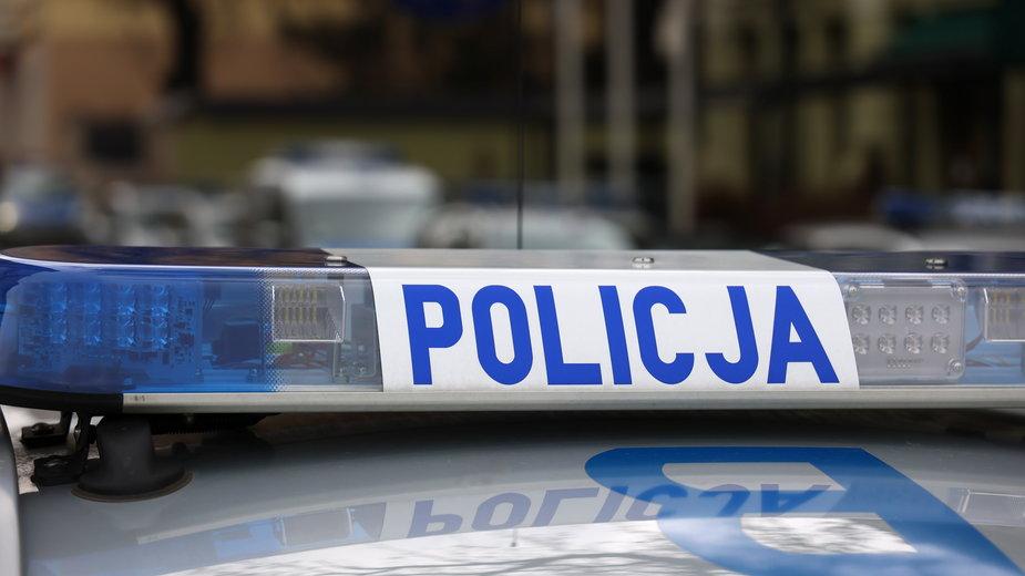 Łódź: Policjant postrzelił napastnika. Sam także został zraniony
