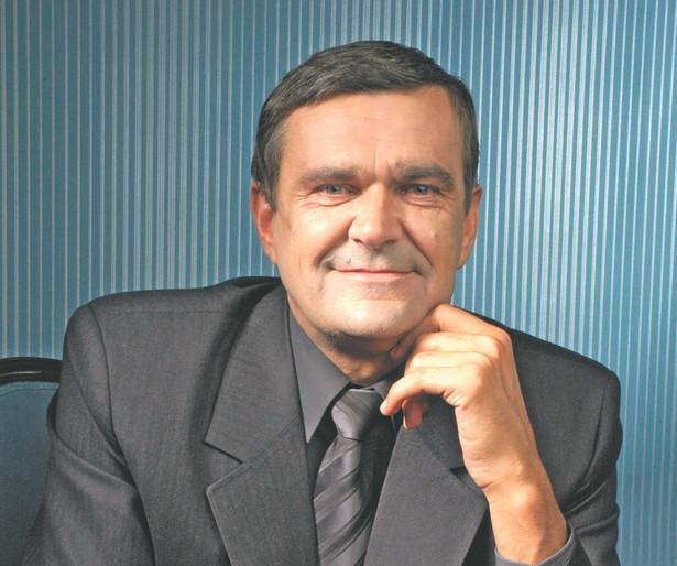 Roman Karkosik, przedsiębiorca, inwestor giełdowy, jeden z najbogatszych ludzi w Polsce. Kontroluje m.in.: Boryszew, Impexmetal, Skotan, Alchemię i Krezusa