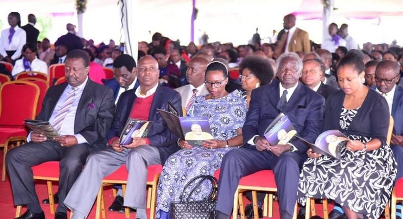 President Uhuru Kenyatta cancelled visit to Nginyo Kariuki's burial due to corona virus crisis - Raila Odinga