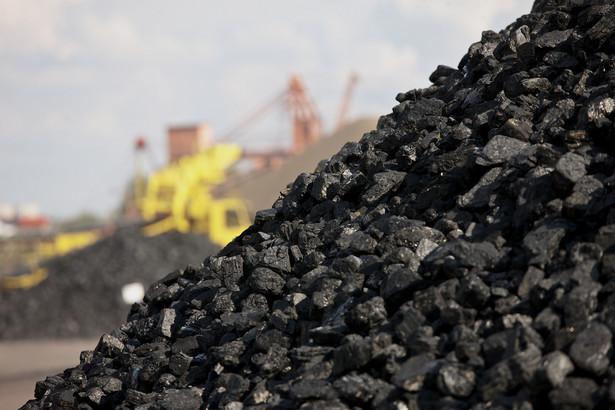 Wiceminister Gawęda ocenił, że import węgla do Polski znacząco maleje, nie podał jednak szczegółowych danych.