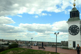 Novi Sad621 Objektiv oblaci iznad grada Petrovaradinska tvrdjava sat  foto Nenad MihajlovicA